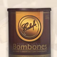 Bombones de café cubiertos con chocolate