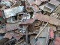 Chatarra de fierro al carbón, acero, fierro gris, maleable y nodular en presentaciones de pedacearía, maquinaria industrial, pesada y vehicular.