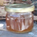 Miel en tarro de vidrio