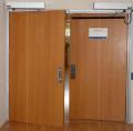 Puertas abatibles automáticas de dos hojas