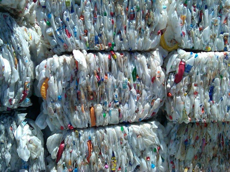Pedido Manejo de deshechos de plástico