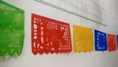 Tiras de papel picado con diseños especiales